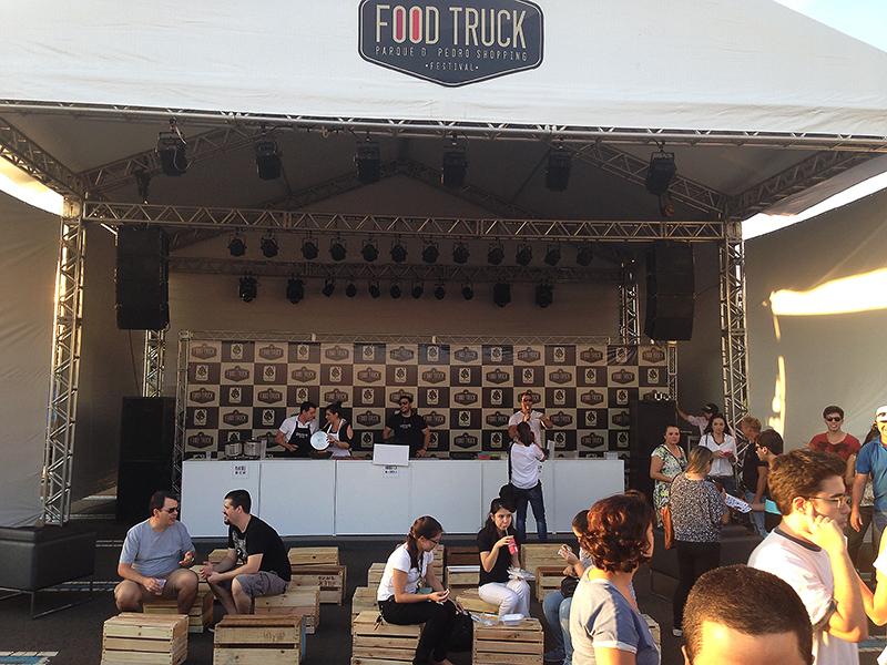 food-truck-parquedpedro-cozinheiros