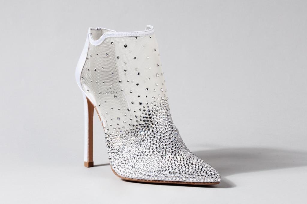 nrm_1423912194-cinderella-shoe-stuart-weitzman