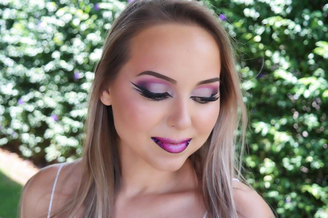 maquiagem de carnaval boneca rosa e roxa 1