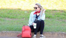look-bandana-mochila-e-jaqueta-jeans-6