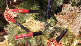 5-batons-vermelho-para-usar-neste-natal