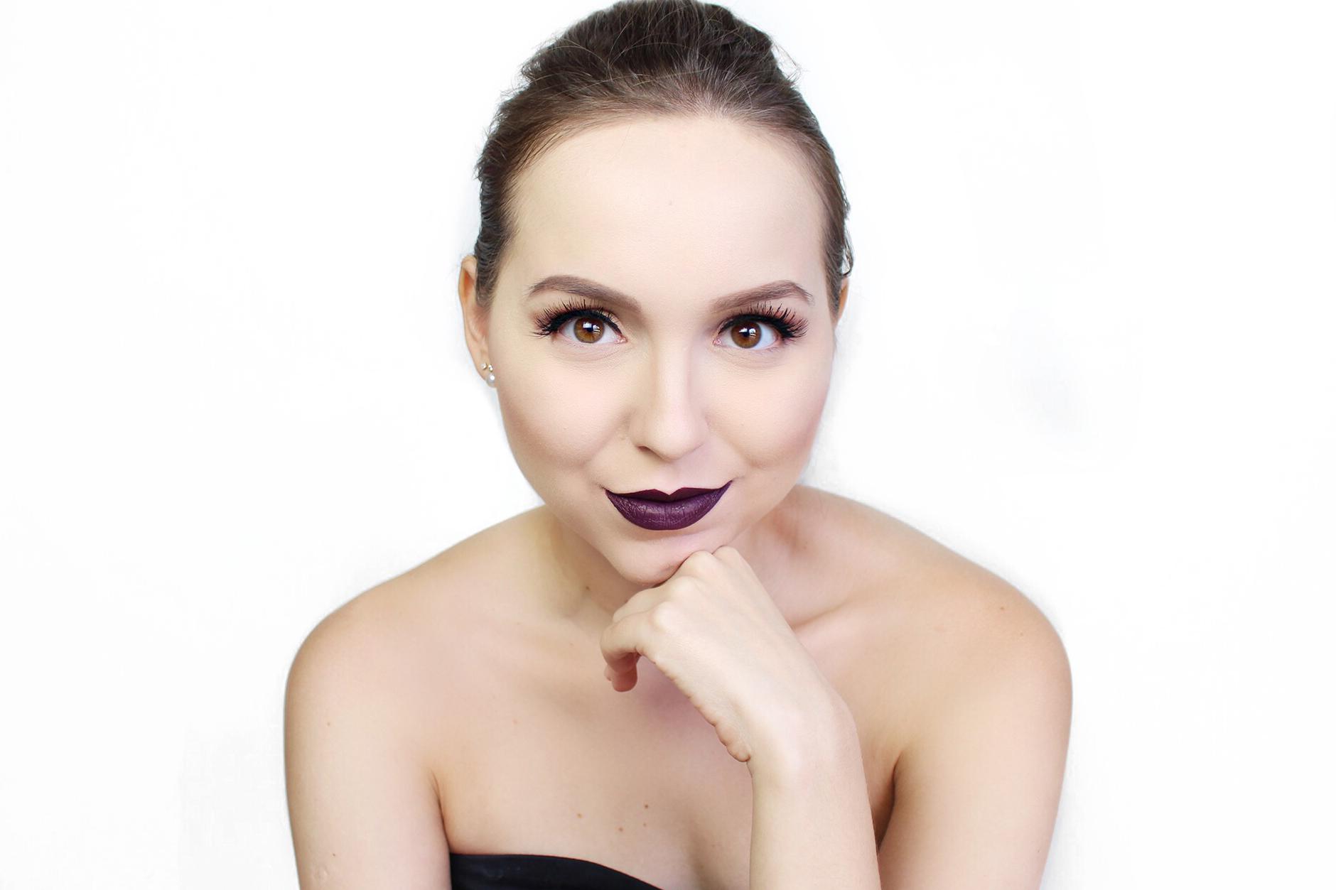 resenha colecao karen bachini tblogs batom dark lolita rosto